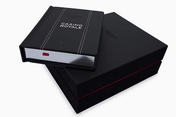 Sách về James Bond phiên bản Bentley giá 1.200 USD