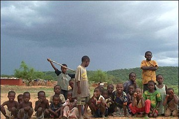 Châu Phi tăng trưởng nhưng dân vẫn nghèo