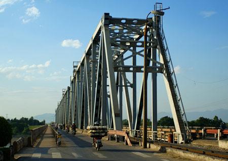 Ai sẽ chi 1.900 tỷ đồng để xây dựng cầu Việt Trì mới?