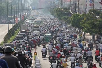 TP Hồ Chí Minh: Cầu vượt, ùn tắc cũng… vượt