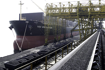 Năm 2015, Việt Nam sẽ nhập dầu thô và than
