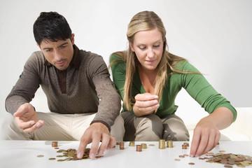 Vì sao phụ nữ quản lý tài chính tốt hơn nam giới ?