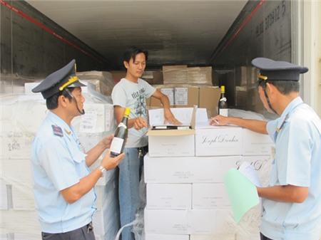 Kiến nghị rượu NK được làm thủ tục tại cảng nội địa