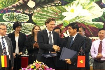 Đức cho Việt Nam vay 140 triệu EUR để nâng cấp hệ thống điện và y tế