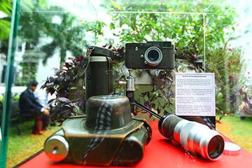 Trưng bày chiếc máy ảnh Leica cổ đặc biệt tại Hà Nội