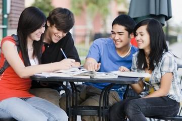 Số sinh viên đi du học Mỹ tiếp tục tăng