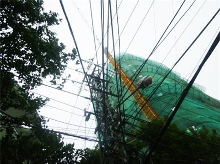 Đà Nẵng: Tháo dỡ cần trục tháp 7 công trình đề phòng bão