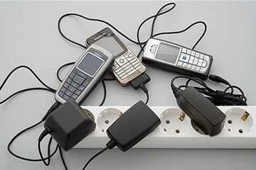 Sạc pin điện thoại bằng tín hiệu âm thanh và WiFi