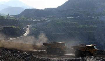 Xe chở thợ mỏ văng khỏi đường ray, 2 người tử vong