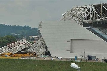 Sập sân vận động khai mạc World Cup 2014, ba người thiệt mạng