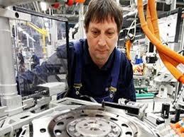 Ngành chế tạo của Eurozone tăng trưởng vượt dự đoán