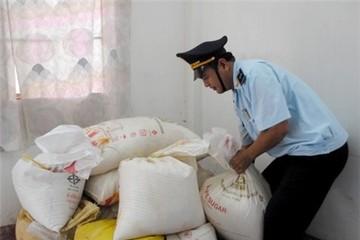 Khen thưởng thành tích phát hiện, bắt giữ hơn 105 tấn đường nhập lậu