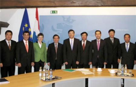 Mở rộng hợp tác chứng khoán với Pháp, Luých-xăm-bua và Đức