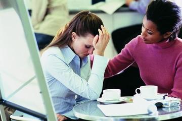 5 điều không bao giờ nên nói với người bạn đang thất nghiệp