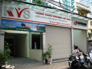 Chứng khoán Kenanga tái cơ cấu để bán
