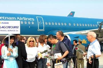 Việt Nam thu hút gần 7,6 triệu lượt khách quốc tế năm 2013, tăng 10,6%