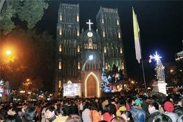 Hàng triệu người xuống đường đón Noel