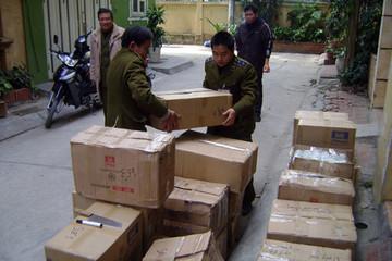 Bắt giữ 7 tấn hàng lậu ở Hà Nội