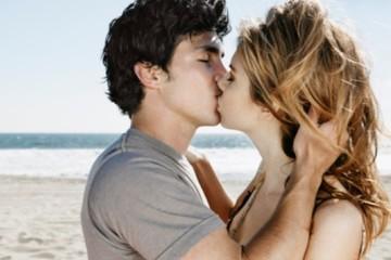 Nụ hôn giúp giảm cân, trắng răng