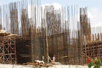 """Hơn 10.000 doanh nghiệp xây dựng """"chết"""" trong năm 2013"""