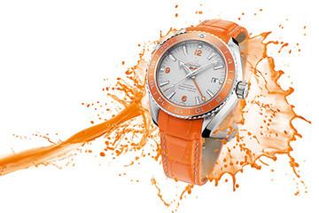 Đồng hồ rực sắc cam của Omega