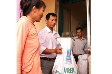444 tấn gạo cứu đói chưa đến tay... hộ nghèo