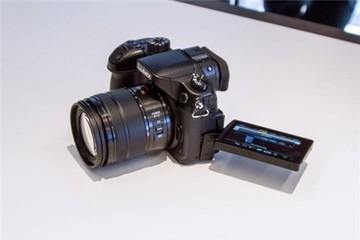 Panasonic ra mắt máy ảnh mirrorless quay phim 4K đầu tiên