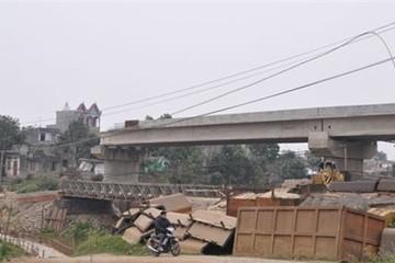 Dự án xây dựng cầu Hòa Viên 5 năm dang dở, do đâu?
