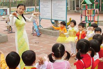 Hà Nội tuyển 303 giáo viên, nhân viên