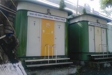 Nhà vệ sinh công cộng làm xong rồi... bỏ
