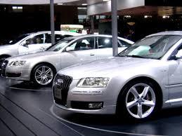 """Thị trường ôtô của EU tiếp tục nỗ lực """"vượt dốc"""""""