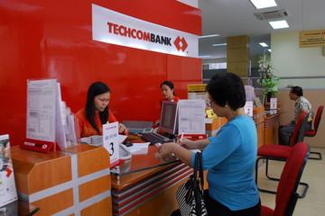 Techcombank thu phí chuyển tiền qua ngân hàng trực tuyến