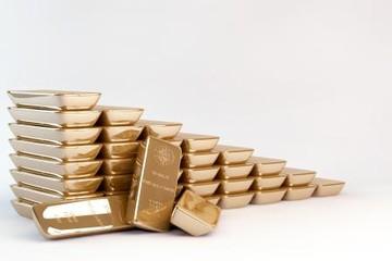 Giá vàng tăng nhờ ECB giữ nguyên lãi suất, đồng USD giảm giá
