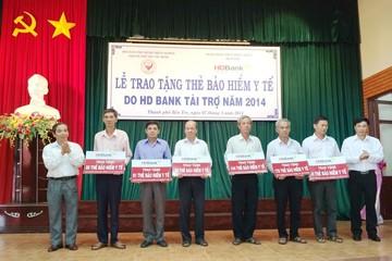 HDBank tặng 1.180 thẻ BHYT cho hộ cận người nghèo Bến Tre