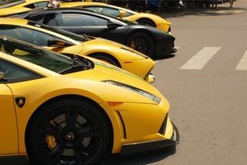 Bộ tứ Lamborghini hội ngộ trên phố Sài Thành