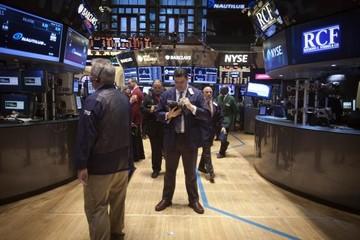 Chứng khoán Mỹ giảm do FED lên tiếng về khả năng tăng lãi suất
