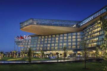 Chiêm ngưỡng thiết kế độc đáo của 2 khách sạn 5 sao tại Hà Nội
