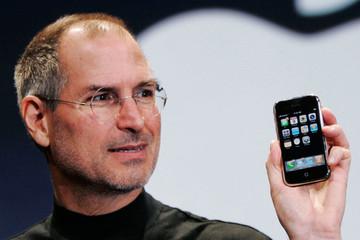 [Infographic] Phong cách điều hành của Steve Jobs và Tim Cook