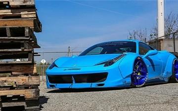 Ferrari 458 sơn màu lạ