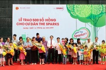 The Sparks trao 500 sổ hồng cho khách hàng