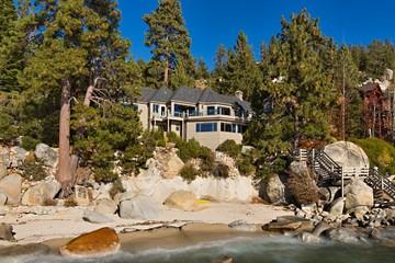 Ngắm biệt thự siêu sang bên hồ Tahoe