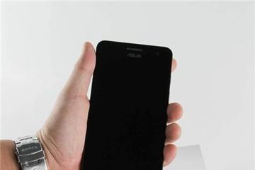 Asus Zenfone 5 xách tay về VN, giá 3,65 triệu đồng