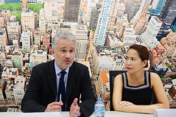 Nhà bán lẻ nước ngoài 'vướng' gì tại VN?