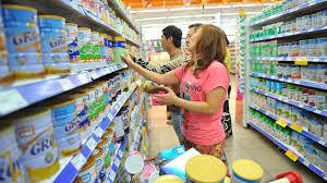 Bộ Tài chính đề xuất khống chế trần giá sữa