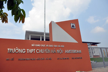 Có hộ khẩu tại Hà Nội mới được thi vào trường chuyên Hà Nội-Amsterdam