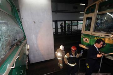 Tàu điện ngầm tông nhau ở Hàn Quốc, 170 người bị thương