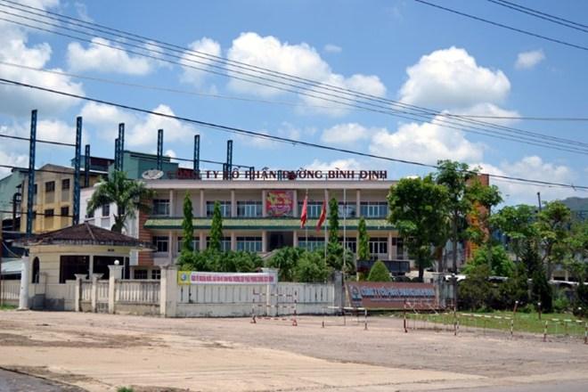 Nhà máy đường Bình Định: Vì sao bị người dân phong tỏa?