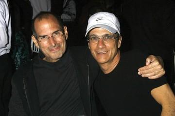 Steve Jobs và Jimmy: Mối quan hệ phía sau lời chào mua 3,2 tỷ USD