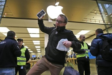 Apple cấm nhân viên nghỉ tháng 9 để ra mắt iPhone 6?