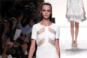 Những thiết kế trắng đẳng cấp nhất sàn diễn 2014